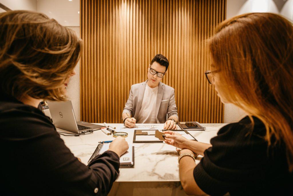 Liên doanh giữa nhà đầu tư Việt Nam và nhà đầu tư nước ngoài